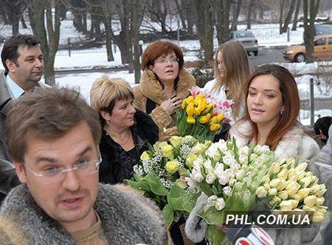 Спадкоємця Пономарьова забрали з пологового будинку