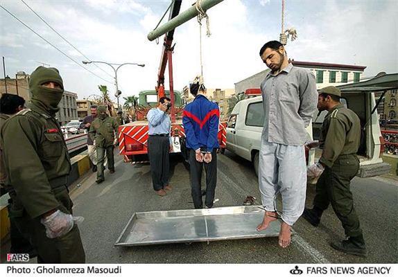 Іран. Публічна страта - звичайна практика. Страшні ФОТО