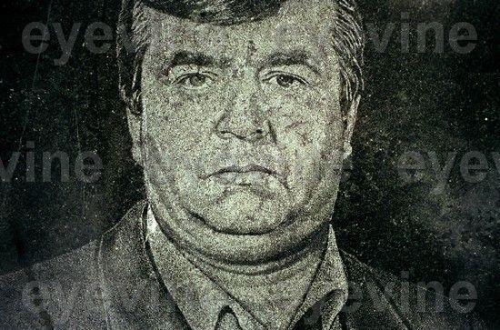 """Могилы """"чисто конкретных пацанов"""" в Кемерово. 21 ФОТО"""