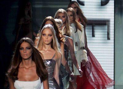 Будинок моди Версаче представив своє бачення весни