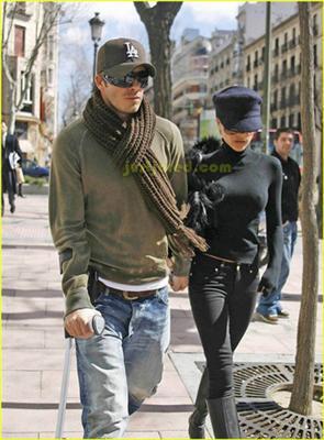 Девід Бекхем не може ходити без милиць і дружини