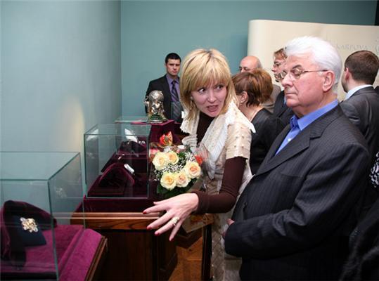 Ажіотаж в Російському музеї. Коштовності та політики ...