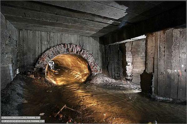 Неглинка. ФОТО таємничої підземної річки, що під Москвою