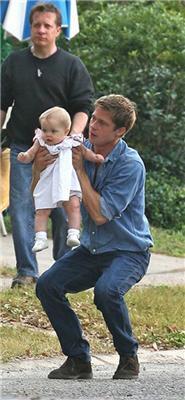 Анжеліна Джолі не піклується про дитину від Бреда Пітта