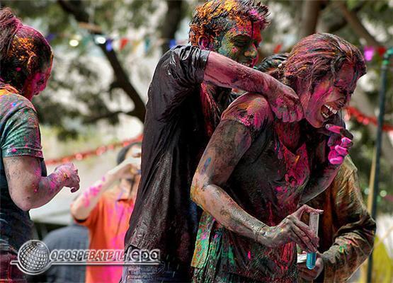 Фестиваль Холі - індійський Свято Фарб. Фоторепортаж