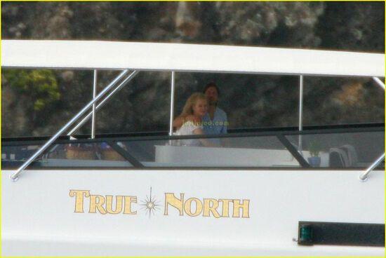Ніколь Кідман одягла водолазний костюм і заспівала