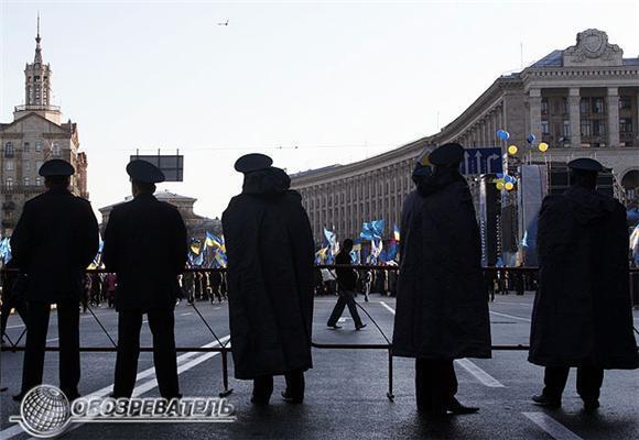 По обе стороны киевских майданов. Фоторепортаж