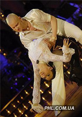 «Танцы со звездами-2». Скрипку спасли телезрители