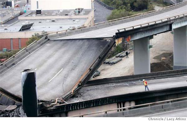 Впав найбільший міст у США. Фоторепортаж