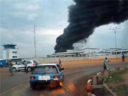 Довір неграм джип вантажити - так хату спалять. ФОТО