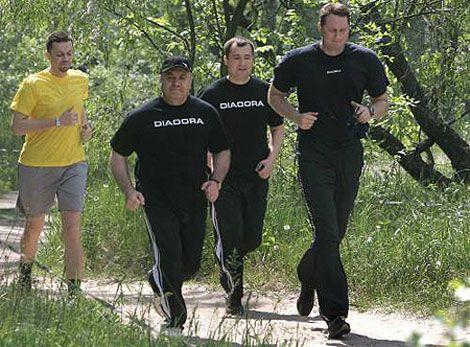 Министр Цушко побежал и останавливаться не собирается