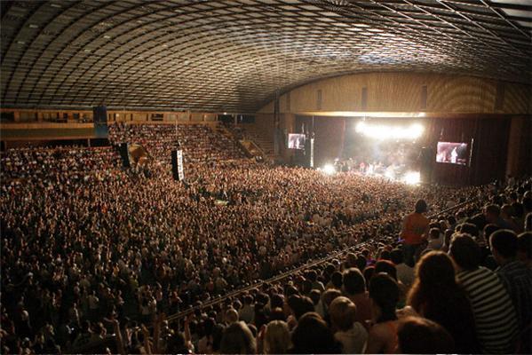 """Вакарчук """"підірвав"""" Палац спорту під час концерту"""