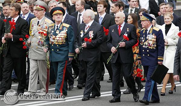 У День Перемоги Ющенко побував на двох парадах. Фоторепортаж