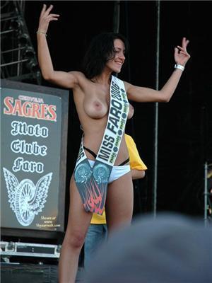 Это - лучшая грудь Аргентины. Трансвеститы проиграли. ФОТО