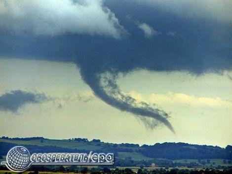 На Великобританию обрушились четыре торнадо. ФОТО