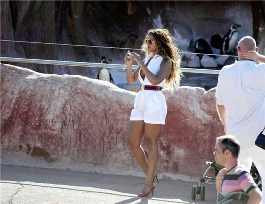 Бейонс Ноулз зловили в зоопарку в цікавому сукню. ФОТО