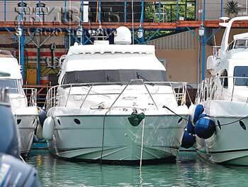 Певице Алсу подарили яхту за $1 миллион. ФОТО