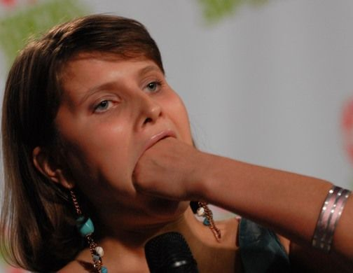 Украинка, которая умеет делать ртом все, что угодно. ФОТО