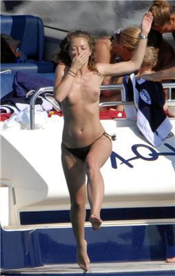 Ребекка Гейхарт через спеку принципово не носить купальник