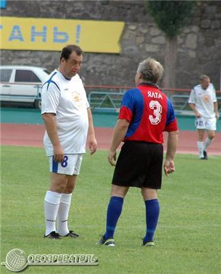 Юморной футбол в Ялті. Фоторепортаж