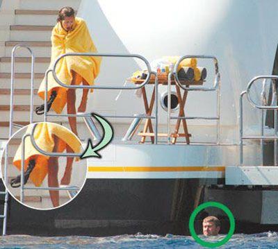 Абрамовича застукали на яхті - в трусах і з Дашею. ФОТО