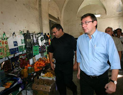Луценко не зміг купити в Харкові м'ясо по 12 грн.