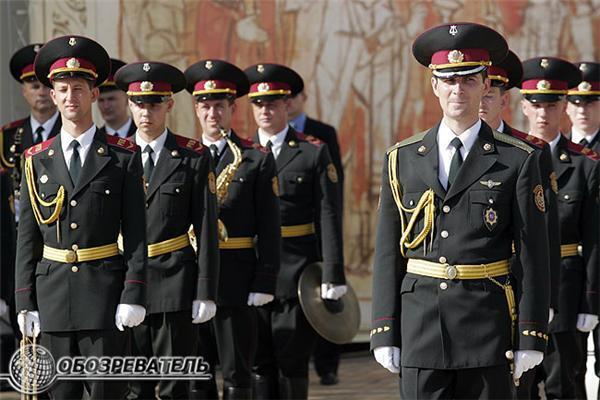 Ющенко вручив нагороди і відчитав Януковича