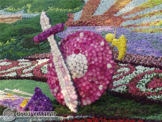 Мільйони червоних троянд ... на виставці квітів. ФОТО