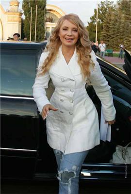 Тимошенко у рваних джинсах вирушила на дискотеку. ФОТО