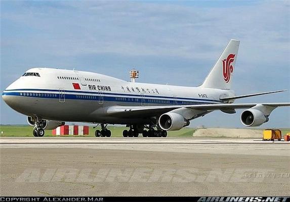 Прилетить президентик в блакитному літаку. Хто на чому літає?