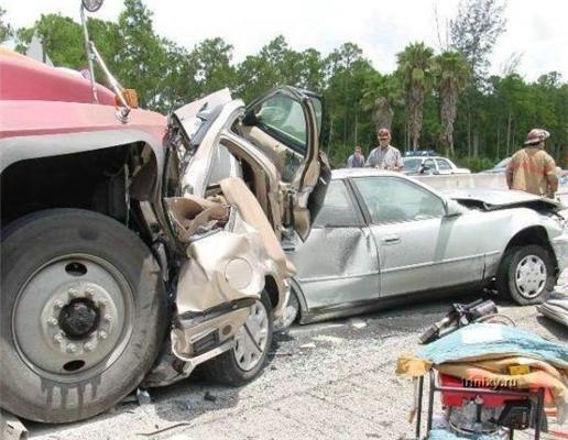 Дурнів на дорогах явно більше ніж самих доріг