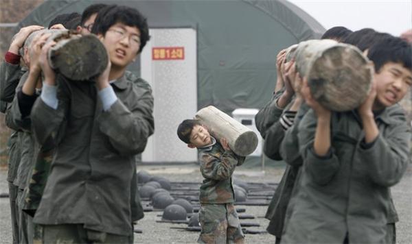 Колесо на голову и ..дуй в свою Корею. Так закалялась сталь!