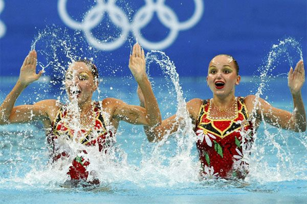 """Чемпионки по синхронному плаванию: """"Гибкость помогает в сексе!"""""""