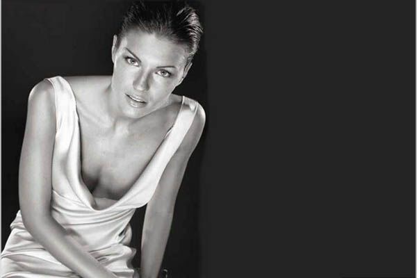 Жена Костакурты хочет стать лесбиянкой