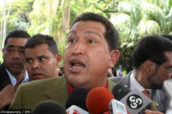 Чавес подарил коллеге Моралесу 16 внедорожников