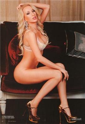 Белокурая бестия Лера Кудрявцева в Playboy