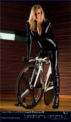 Календар Cyclepassion 2009 з велосіпедіСІСЬткамі