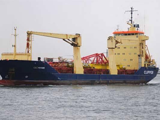 Сомалийские пираты захватили в заложники восемь россиян