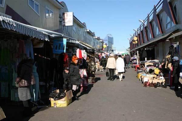 Раду і Кабмін завішають ганчірками з одеського ринку
