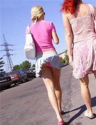 Ветер, ветер, ты что, совсем? Задираешь юбки всем...