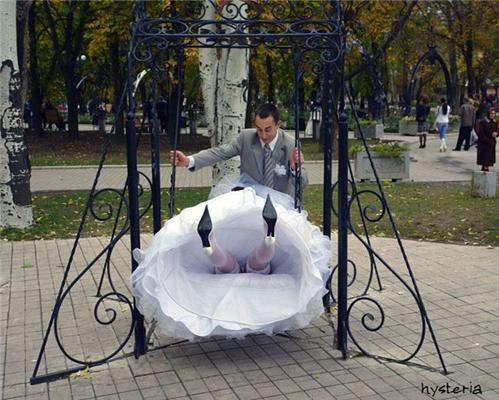 Позитив дня. Посадити наречену на качель і ніжки в торшері