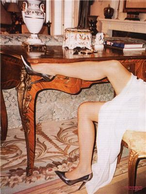 Демі Мур в журналі V