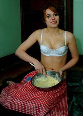 Дівоча кухня. Як правильно зробити тісто? Роздягтися!