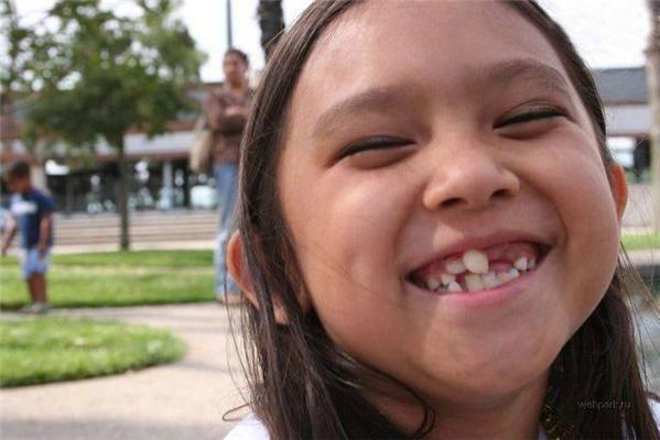 Зуби щастю не перешкода. Подивися на ці обличчя ...