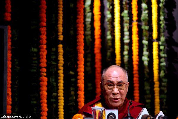 Далай-лама йде у відставку