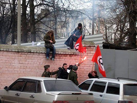 Російські опозиціонери біжать в Україну