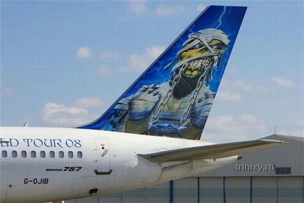 "Літак групи Iron Maiden. Скоро буде і ""Обоз.ua"""