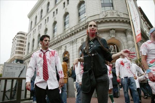 Парад зомбі в Америці. Кров залила вулиці Нью-Йорка