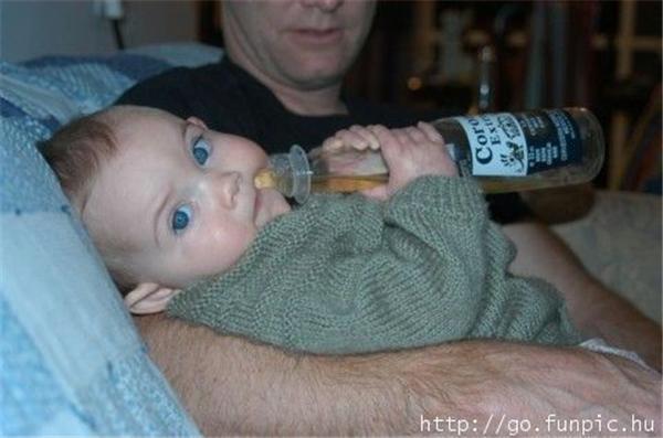 Ох, уж эти детки! Молоко не обсохло. Или это уже не молоко?