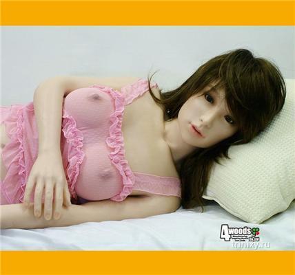 Дівчина-лялечка за $ 6500. І ви повністю володієте нею